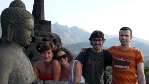 Buda, Ana, Ari, Xavi y yo